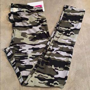 Super soft camo leggings, Bobbie Brooks brand